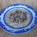 En tallrik med raw gröt